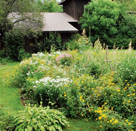 nature s way landscaping six tips on how to create a garden chatelaine