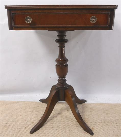 Small Pedestal Table by Small Mahogany Pedestal Centre Table