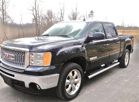 photos and videos 2011 gmc sierra 1500 crew cab truck 2011 gmc sierra 1500 pictures cargurus