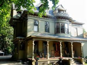 Victorian house colors pictures to pin on pinterest