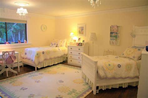 Atractiva  Decoracion Habitacion Bebe #8: Opciones-decoracio-habitacion-nina-camas-madera-blanca.jpg