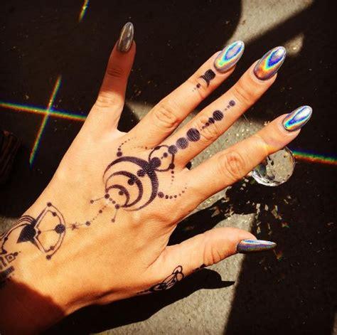 universe tattoo hand 50 best hand tattoos for men and women 2017 tattoosboygirl