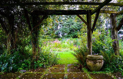 abbellire giardino 9 semplici mosse per abbellire il tuo giardino gromia