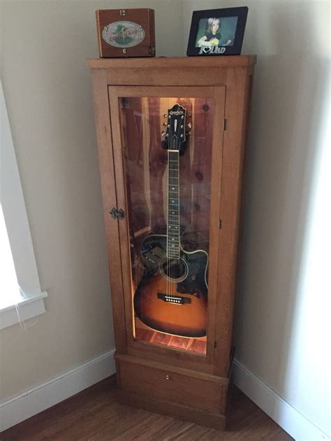 Guitar Storage Cabinet Best 25 Guitar Cabinet Ideas On Pinterest Guitar Storage Guitar Display And Guitar Room