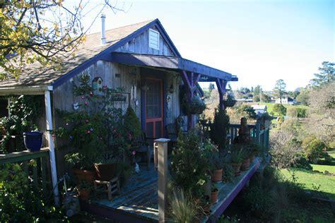 The Wine Cottage by Chicken Run Wine Cottage Journeylism Nl