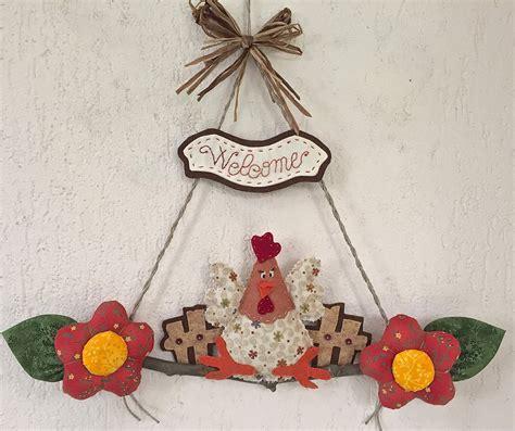 fuori porta fuori porta gallina con fiori e scritta quot welcome quot per la
