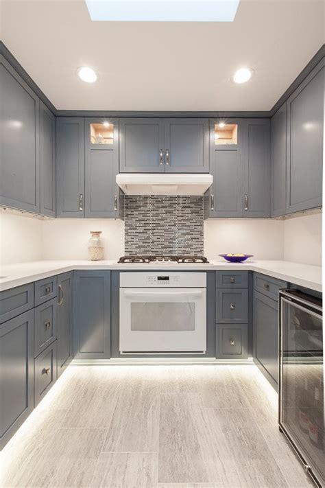 cuisine peinture cuisine moderne avec couleur