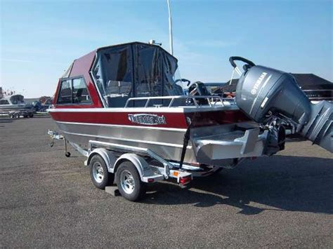jet boats for sale boat trader new 2015 thunderjet luxor ob special edition kennewick