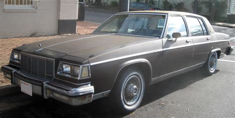 how do cars engines work 1985 buick electra instrument cluster file 80 85 buick electra park avenue sedan jpg wikipedia