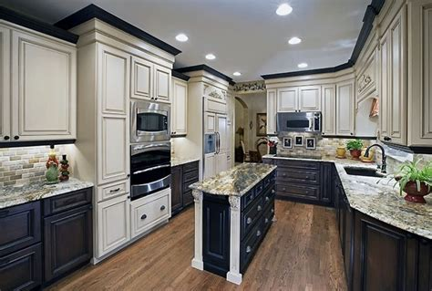 painting kitchen cabinets two different colors mixing colors for a dramatic look traditional kitchen