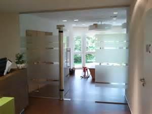glastüren für badezimmer glast 252 r wohnzimmer folie elvenbride