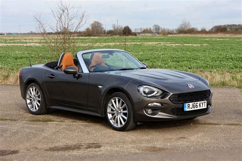 fiat convertible reviews fiat 124 spider convertible review 2016 parkers