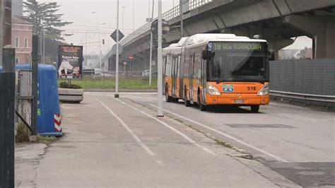 aps mobilita transito e fermata irisbus citelis 18 cng n 518 di aps