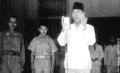 film dokumenter detik detik proklamasi bung karno berdoa setelah proklamasi