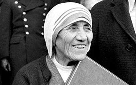 mother teresa biography nobel peace prize albania calls on india to return mother teresa s remains