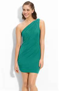what attire will complement a teal dress health