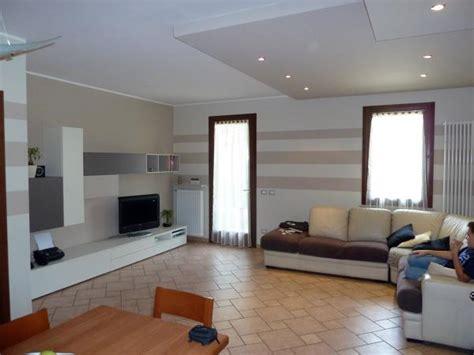 decorazione pareti soggiorno foto decorazioni soggiorno sabri di bruno veronese 66883