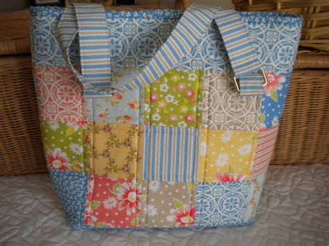 Patchwork Tote Bag Pattern - patchwork and quilted bag patterns to try