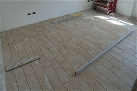 posatori piastrelle posatori pavimenti pavimenti in ceramica