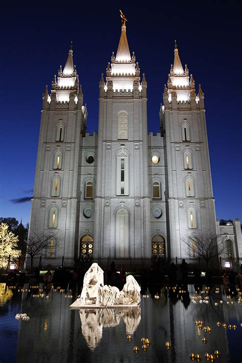 temple square christmas lights honoring the savior s birth