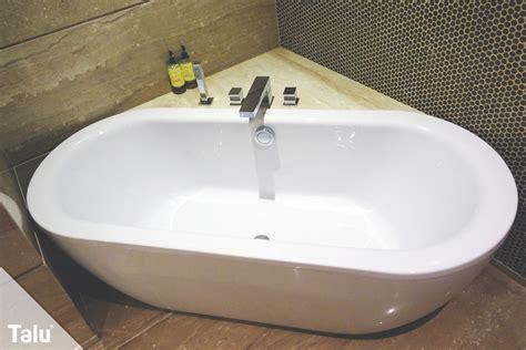 Acryl Badewanne hat Kratzer   so reparieren sie diese