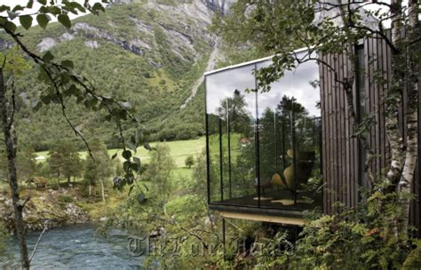 Ex Machina Mansion by