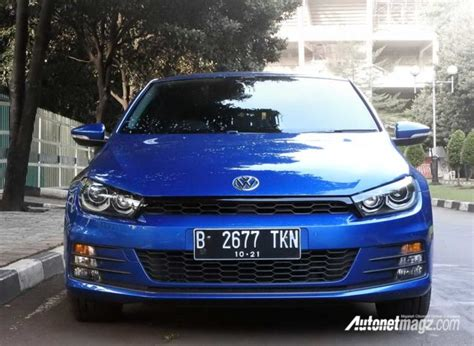 volkswagen scirocco  review daily  head turner