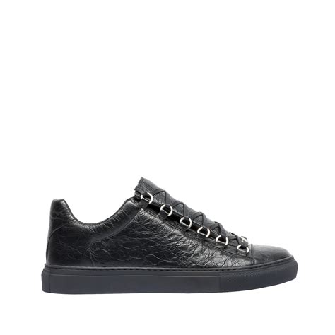 low top balenciaga sneakers balenciaga arena leather low top sneakers in black lyst