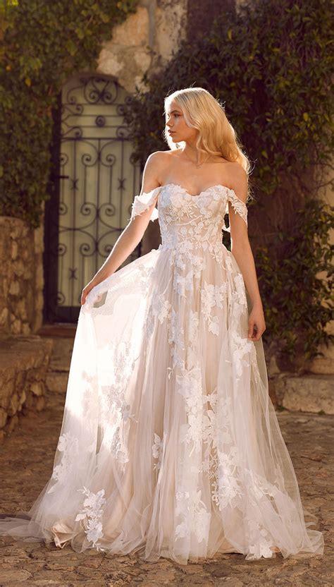 amazing wedding dresses  ultimate garden wedding