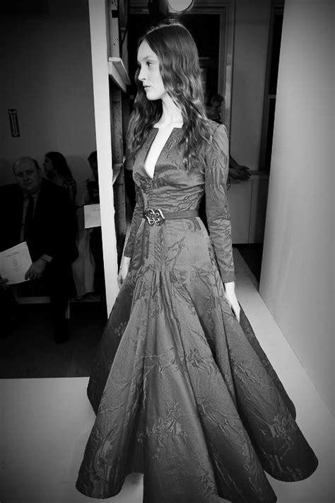 Oscar de la Renta Pre-Fall 2013.   Vestidos, Looks e Passarela