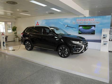 Mitsubishi Store Neuer Flagship Store F 252 R Mitsubishi Outlander Phev