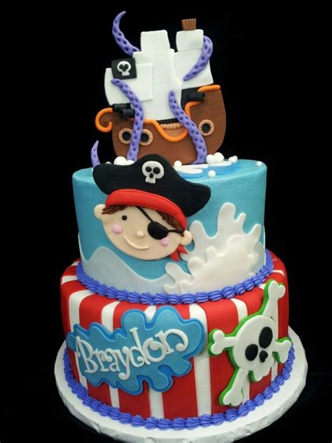 best 25 pirate bedroom ideas on pinterest pirate pirate birthday cakes best 25 pirate birthday cake ideas