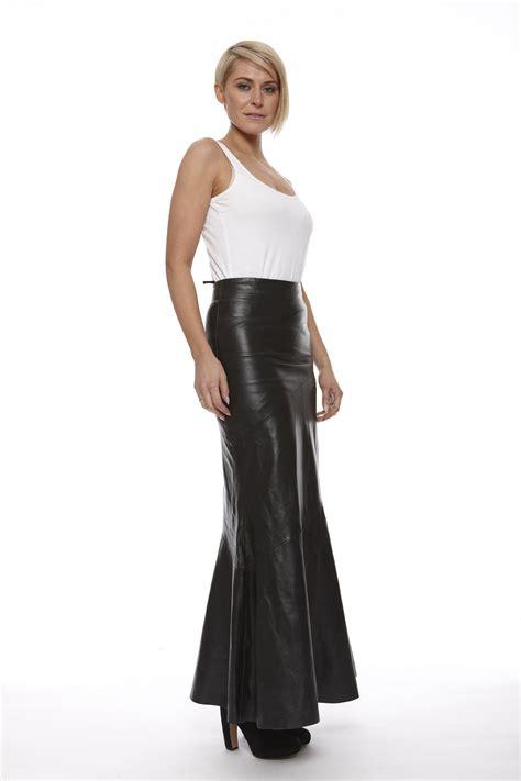 leather length skirt in black leather skirt
