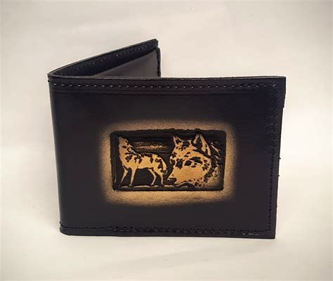 Handmade Leather Wallets Usa - wolves embossed bifold leather wallet leather belts usa