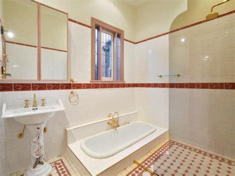 provincial bathroom design with recessed bath using