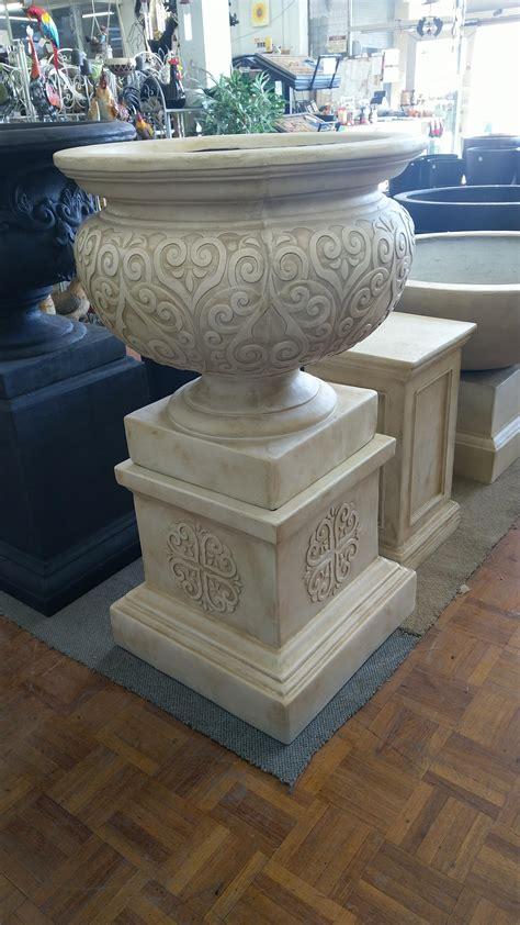 renaissance urn pedestal set pots  pots