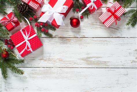 background natal merah kumpulan gambar dekorasi pohon natal keren untuk