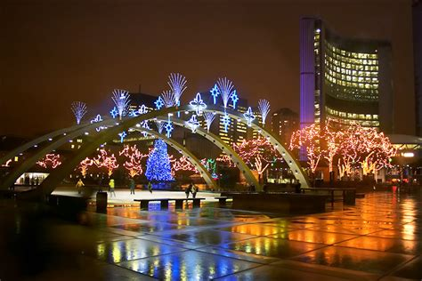 christmas in toronto market trees concerts lights 2015