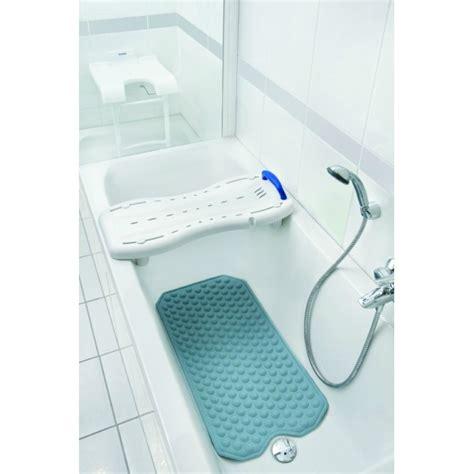 banc de baignoire rendre accessible sa baignoire alors qu on doit un jour