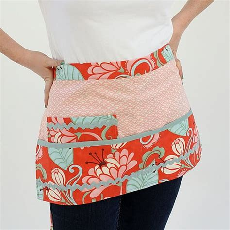 pattern for vendor apron retro half apron vendor or waitress style apron kate spain