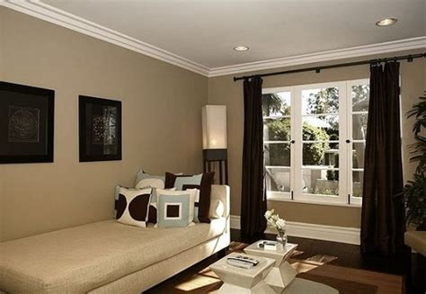 paint colors to make a room look bigger what color to paint your living room make it look bigger