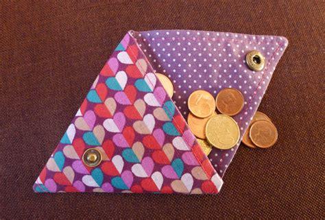 Tuto Porte Monnaie Triangle by Diy Id 233 E Cadeaux Confectionner Un Porte Monnaie En Tissu