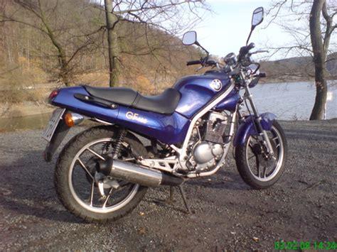Motorrad F Hrerschein Portugal by Familienzuwachs Bruder J 252 Rgen Und Seine Hyosung Gf 125