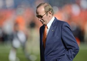 Pat Bowlen House by Pat Bowlen S Says Plan Is To Keep Team In The Family