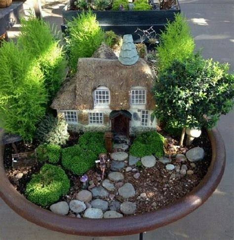 miniature gardening com cottages c 2 las 25 mejores ideas sobre jardiner 237 a de hadas en