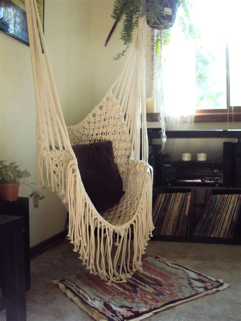 it would be so freakin cool to a hammock in my room