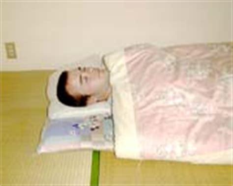 japanische schlafunterlage futon daniela jost m 246 bel im traditionellen