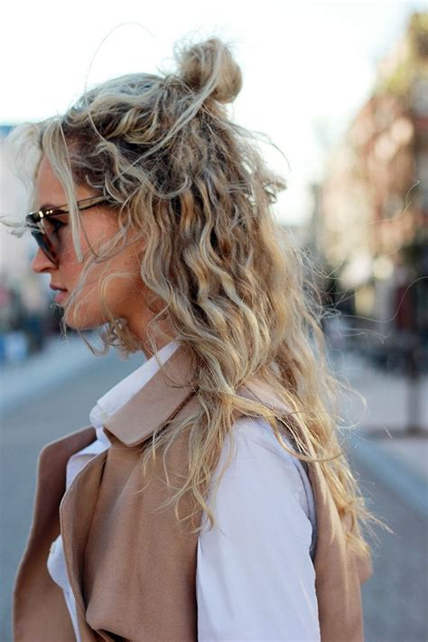 cute hairstyles hot weather 25 best hot weather hair ideas on pinterest chignon