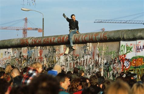 when did the iron curtain collapse peter turnley 20th anniversary the fall of the iron