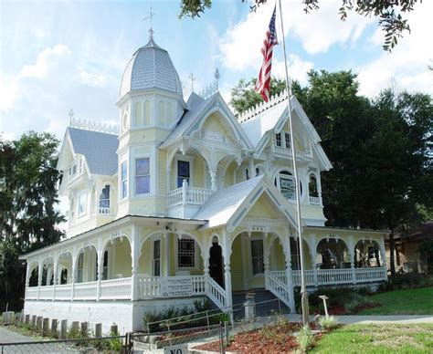 victorian queen anne best 25 queen anne houses ideas on pinterest queen anne victorian houses and victorian